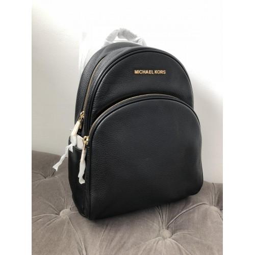 67d5f4d695 Michael Kors Abbey batoh černý
