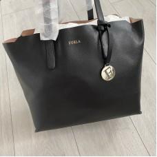 Furla kabelka černá Sally